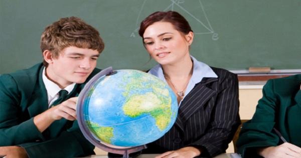 Ce se intampla cu Geografia? Materia apare cu numar de ore diminuat sau eliminata complet, desi e optiune la BAC