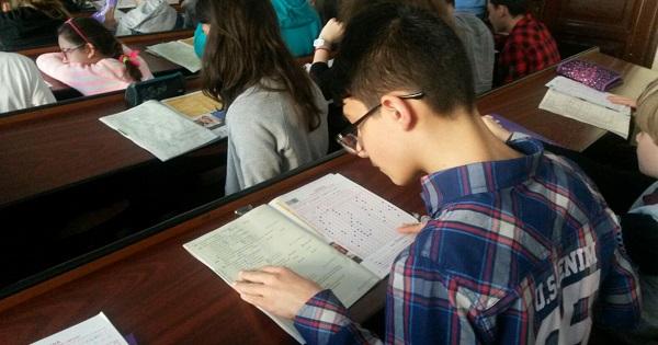 MIERCURI toti elevii din Bucuresti se intorc in scoli. Rata de incidenta a scazut sub 1 la mie