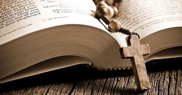 Spor de 80% pentru o parte dintre preotii care predau Religia in scoli. Lista sporurilor din invatamant