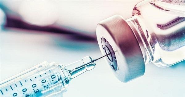 Procedura de vaccinare a personalului din invatamant. Vaccinarea incepe miercuri, cu AstraZeneca si  Pfizer