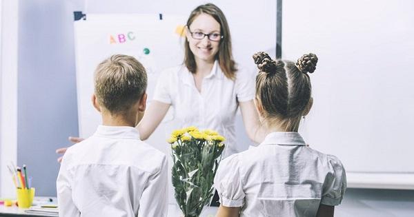 Martisoarele si florile, interzise anul acesta in scoli?