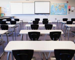 Redirectioneaza 2% din impozitul pe venit programului impotriva abandonului scolar