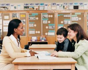 Amenzi pentru parintii elevilor chiulangii: cand au voie parintii sa intre in scoala