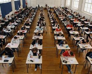 Examenele de finalizare a studiilor in invatamantul superior se vor organiza din acest an in trei sesiuni
