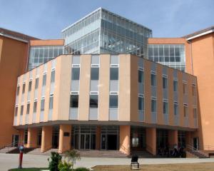 Admitere facultate, sesiunea din toamna: peste 200 de locuri la Universitatea din Oradea