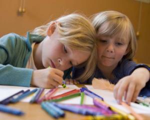 """6 centre de tip after school, deschise prin intermediul programului """"Noua ne pasa"""""""