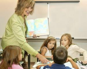 7.000 de profesori primesc ajutor financiar pentru dezvoltare profesionala