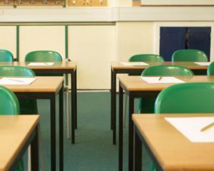 Fara ajutoare sociale pentru elevii care lipsesc nemotivat
