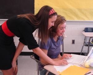 Absolventii de liceu si facultate primesc stimulente financiare daca se angajeaza