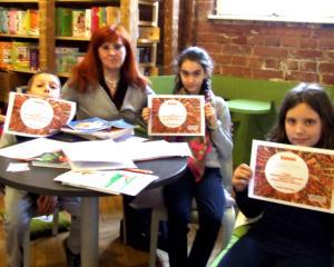 Activitati pentru elevi in vacanta de vara: laborator de scriere creativa