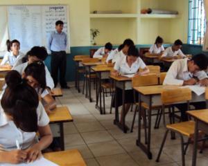 16.600 de profesori sunt in Bucuresti. 20% dintre profesori sunt suplinitori, pensionari sau fara studii corespunzatoare