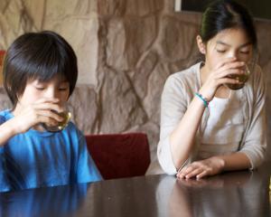 De ce este recomandat ceaiul pentru elevi