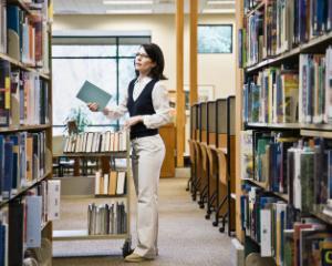 Bibliotecarii publici pot deveni e-Bibliotecari