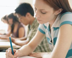 Luni incepe examenul de bacalaureat 2015: ce trebuie sa stie toti elevii claselor a XII-a