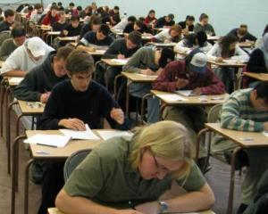 Diplomele IELTS si TOEFL preferate in defavoarea examenului Cambridge