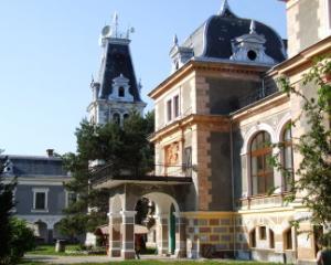 Scoala de Vara pentru elevi si cadre didactice la Castelul Macea