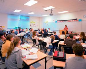 A fost modificata cifra de scolarizare pentru invatamantul gimnazial-liceal