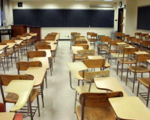 Elevii incep luni cursurile semestrului al II-lea