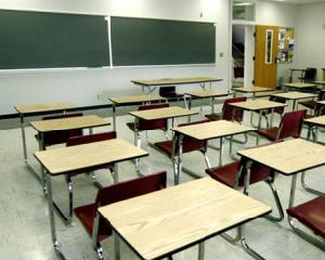 Elevii revin luni la cursuri dupa vacanta de iarna