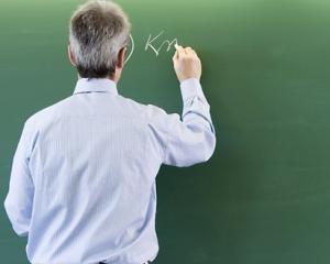 Noul cod etic pentru profesori prevede excluderea din sistem la prima abatare