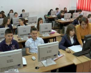 Colegiul National de Informatica din Brasov a fost dotat cu calculatoare in valoare de 40.000 de euro
