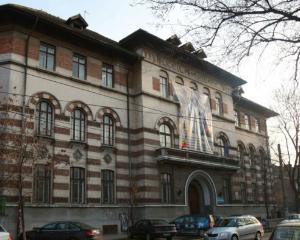 """Scandalul de la Liceul """"Tudor Vianu"""": doua anchete se desfasoara in paralel"""