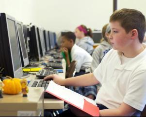 Peste 250 de elevi dezvolta competentele digitale prin mijloace inovative