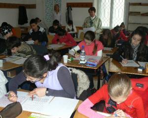 Profesorii anuleaza concursurile scolare in urma scandalului spagii in invatamant