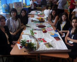 """Colegiul National Mihail Sadoveanu din Pascani a obtinut premiul I la concursul scolar """"Marul - Regele fructelor"""""""