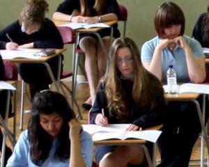 Rezultate bac 2014: cum isi pot schimba candidatii media la examen