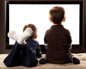 7 motive pentru care televizorul este nociv pentru copii