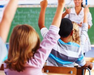 Elevii care NU mai primesc corn si lapte in noul an scolar