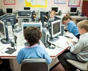 Young Thinkers, programul prin care scolile pot introduce cursuri din domeniul tehnologiei IT&C