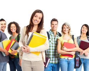 Manualele vor fi decontate si anul viitor pentru elevii claselor a XI-a si a XII-a