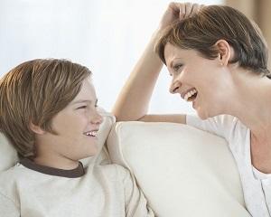 10 intrebari pe care este esential sa i le pui copilului tau