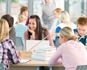 Elevii din invatamantul preuniversitar vor primi documente de tip Europass, pentru certificarea competentelor calificarii profesionale