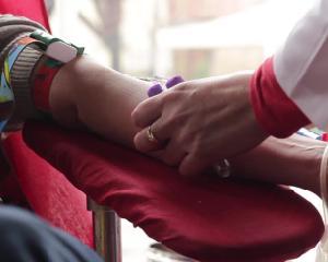 Campanie de donare de sange in scoli si facultati