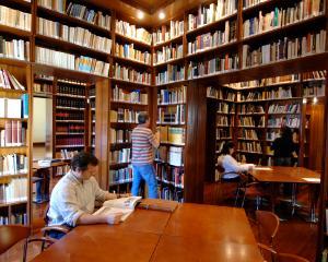Campania originala a elevilor din Buzau pentru dotarea cu carti a bibliotecilor din judet