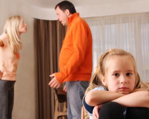 Sfatul psihologului: Cum sunt influentati negativ copiii de comportamentul parintilor