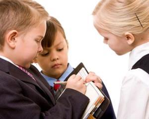Junior Achievement Romania da startul inscrierilor pentru programele educationale pentru viata si cariera pentru elevi
