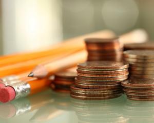 Finantari de pana la 10.000 de euro pentru liceele care promoveaza educatia financiara