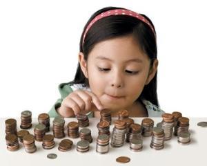 Elevii din clasele I-IV au inceput primele cursuri de Filosofie si Educatie financiara. Cum se descurca?