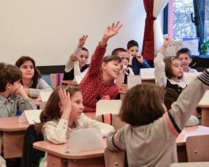 """Elevii din Bucuresti au invatat regulile de circulatie in cadrul proiectului """"Ora de Educatie Rutiera"""""""