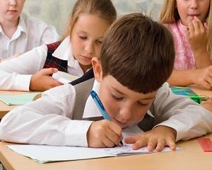 Cum influenteaza scoala creierul unui copil de clasa I - Studiu