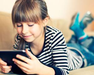Cum ii poate ajuta tableta pe elevi sa invete mai usor
