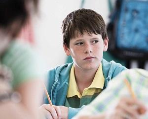De ce sunt elevii indisciplinati? Etapele prin care trec acestia si solutii pentru profesori