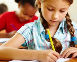 Numarul copiilor care merg la scoala este in scadere