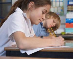 Elevii cer premierului interimar 6% din PIB pentru Educatie