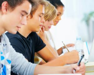 Cursuri gratuite de educatie pentru o viata sanatoasa pentru elevii din mediul preuniversitar