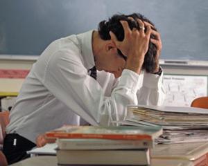 Elevii majori pot pierde dreptul la alocatia de stat